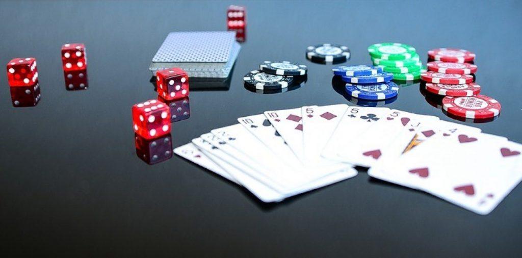 online poker play